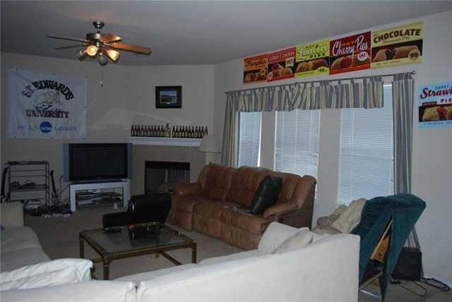 Leased | 2108 Charlotte Estates  Austin, TX 78744 3