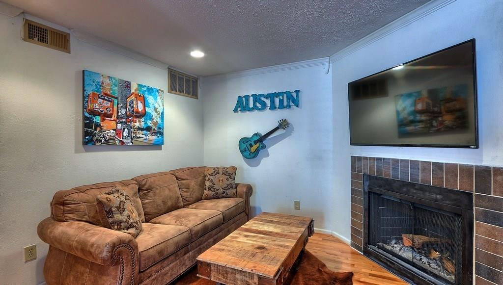 Sold Property | 201 E 4th ST #229 Austin, TX 78701 3