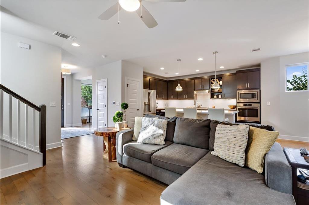 Sold Property | 2510 E 17th ST Austin, TX 78702 11