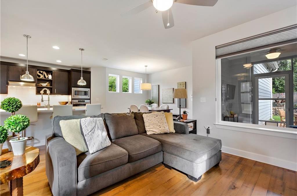 Sold Property | 2510 E 17th ST Austin, TX 78702 12