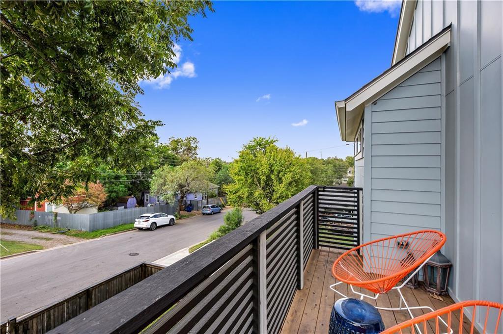 Sold Property | 2510 E 17th ST Austin, TX 78702 28