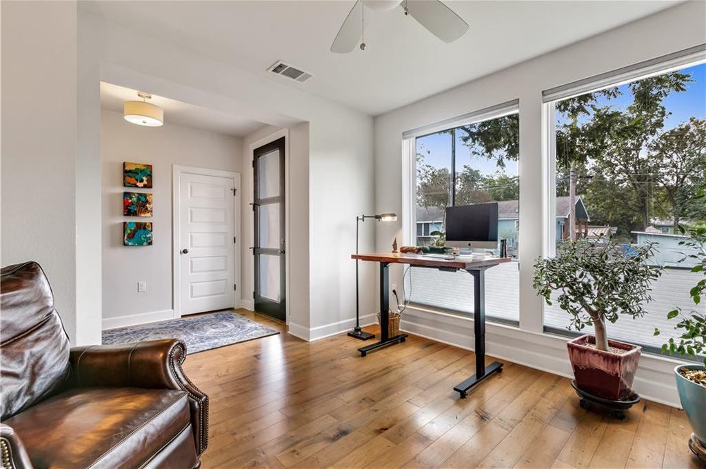 Sold Property | 2510 E 17th ST Austin, TX 78702 6