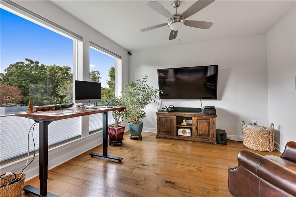 Sold Property | 2510 E 17th ST Austin, TX 78702 7