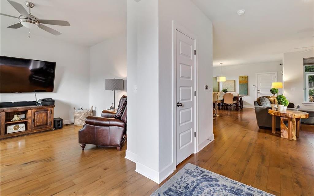 Sold Property | 2510 E 17th ST Austin, TX 78702 8