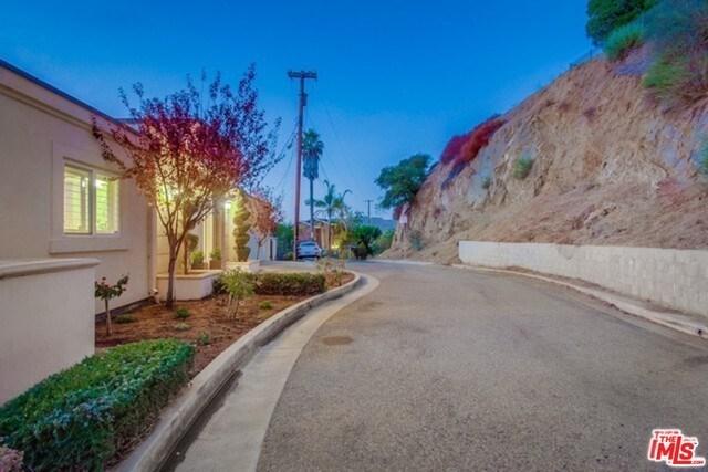 Closed | 2145 GROVELAND  Drive Los Angeles, CA 90046 8
