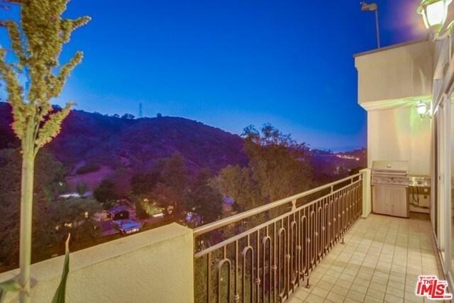 Closed | 2145 GROVELAND  Drive Los Angeles, CA 90046 15