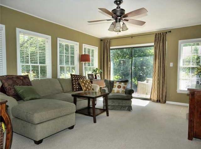 Sold Property | 1206 Aggie Lane Austin, TX 78757 6