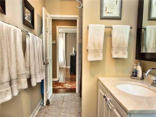 Sold Property | 1206 Aggie Lane Austin, TX 78757 9