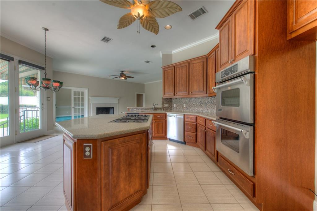 Sold Property | 5 Autumn Oaks PL The Hills, TX 78738 10