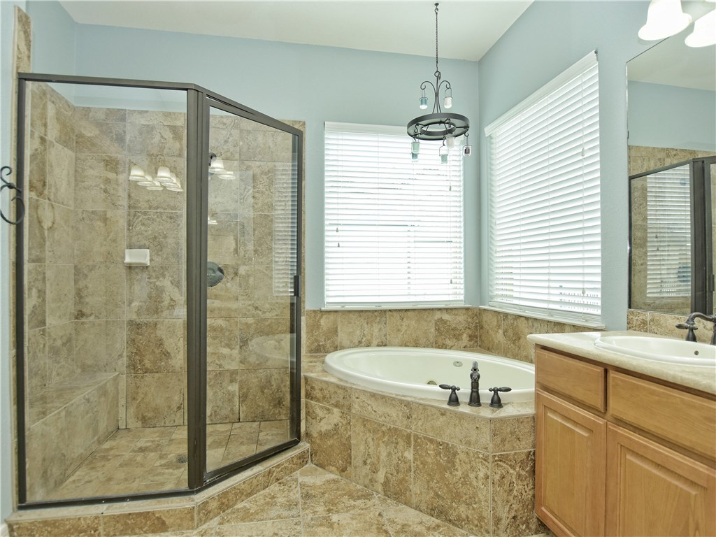 Sold Property   2070 Hawthorne LOOP Driftwood, TX 78619 16