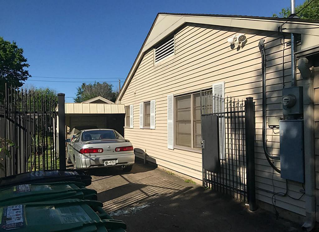 Active | 3817 Anita Street Houston, Texas 77004 4