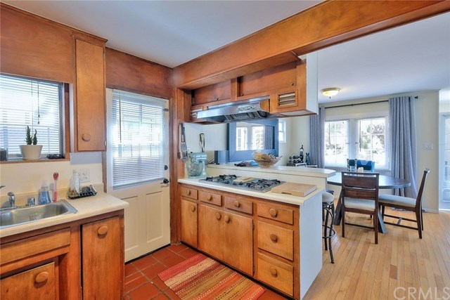 Off Market | 127 16th Street Manhattan Beach, CA 90266 13