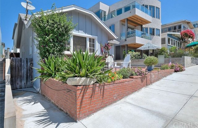 Off Market | 127 16th Street Manhattan Beach, CA 90266 3