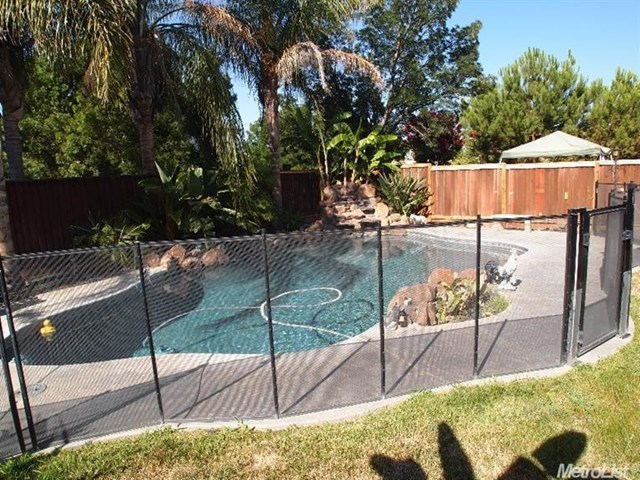 Pending | 725 Manitoba Court Tracy, CA 95304 10