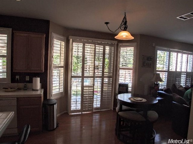 Pending | 725 Manitoba Court Tracy, CA 95304 4