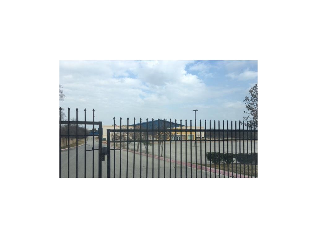 Active | 640 Wheatland Road Lancaster, Texas 75134 7