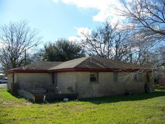 Sold Property | 305 E Saint Charles ST Other, TX 78962 3