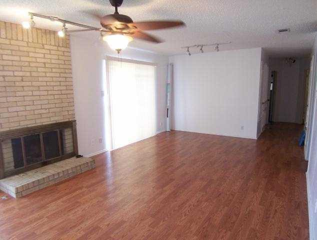 Leased | 2007 Courtney ST #A Austin, TX 78745 2