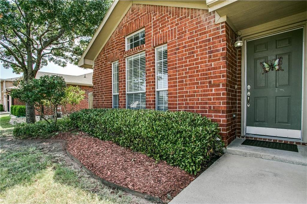 Sold Property | 902 Springfield Drive Cedar Hill, Texas 75104 2