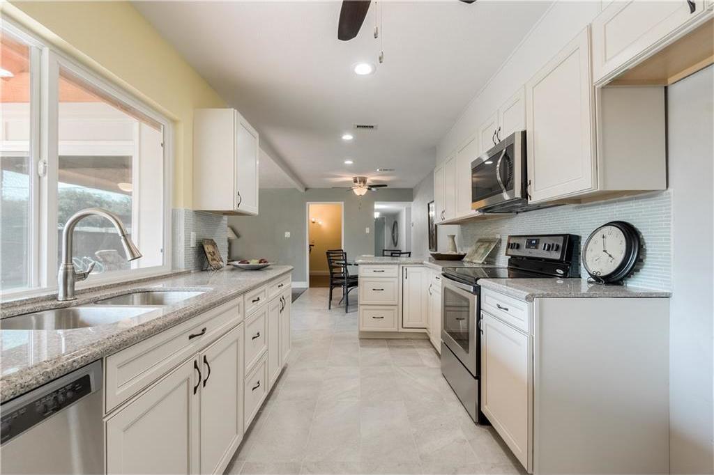 Sold Property | 6002 Green Oaks Drive Plano, Texas 75023 10