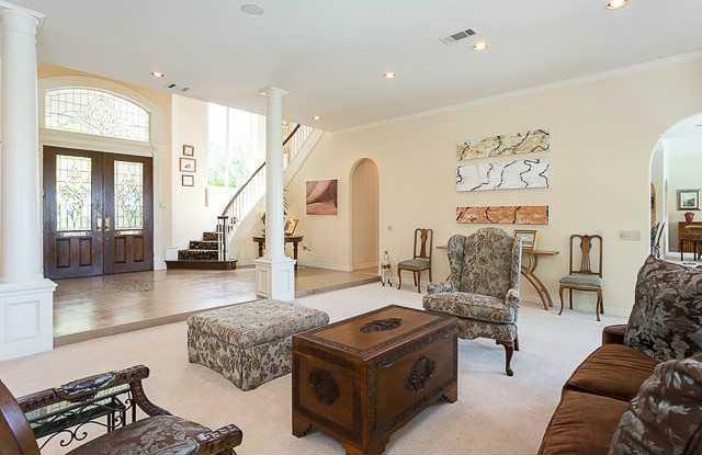 Sold Property | 11 Pascal Lane Austin, TX 78746 7