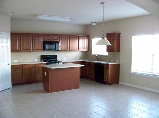 Sold Property | 4013 Bronco Bend LOOP Austin, TX 78744 11