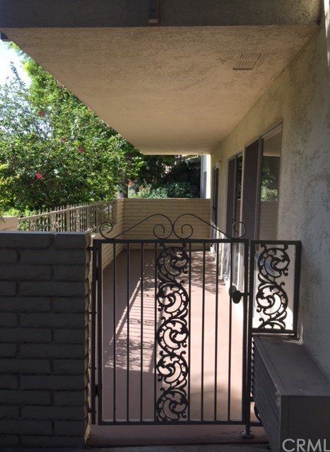 Closed | 2316 Via Puerta #D Laguna Woods, CA 92637 1