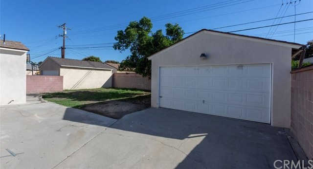 Pending | 10434 Longworth Avenue Santa Fe Springs, CA 90670 24