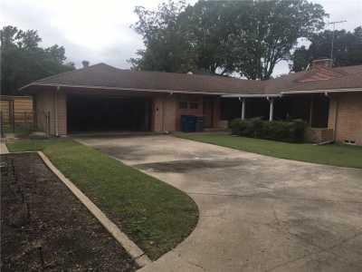 Sold Property | 9750 Van Dyke Road Dallas, Texas 75218 2