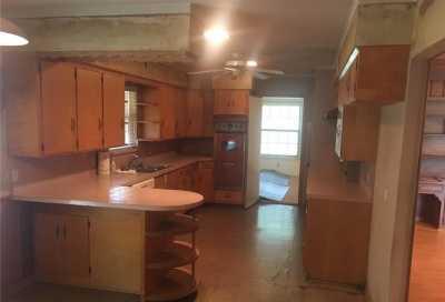 Sold Property | 9750 Van Dyke Road Dallas, Texas 75218 4