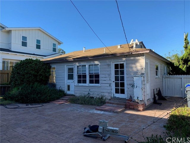 Closed | 1612 Chestnut  Avenue Manhattan Beach, CA 90266 2