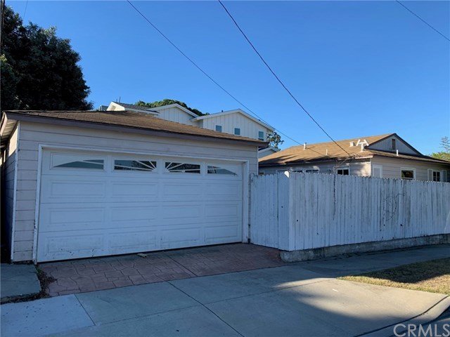 Closed | 1612 Chestnut  Avenue Manhattan Beach, CA 90266 4