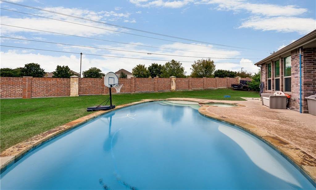 Sold Property   5012 Old Oak Drive McKinney, Texas 75071 33