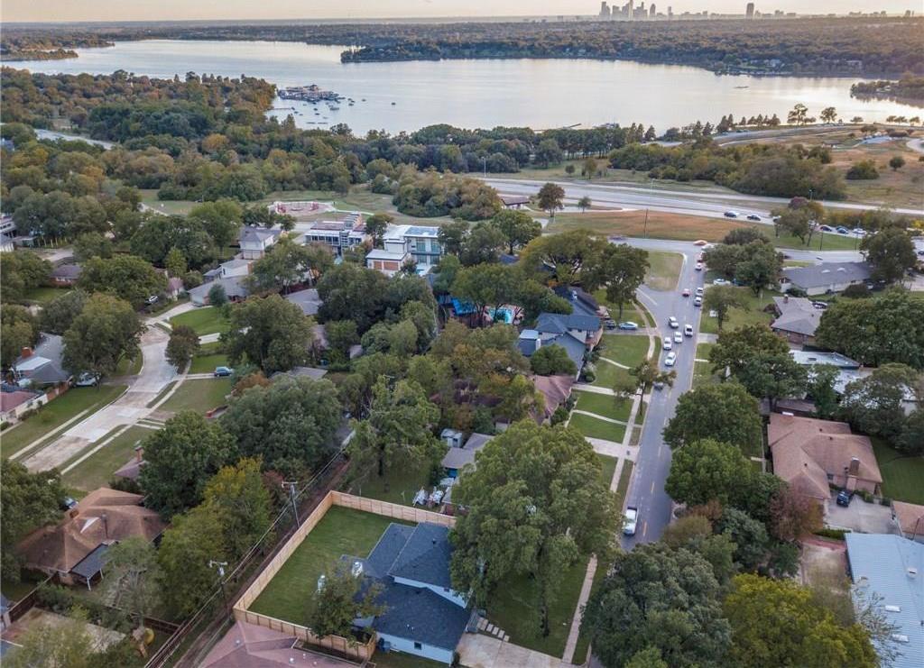 Sold Property | 9744 Van Dyke Road Dallas, Texas 75218 2