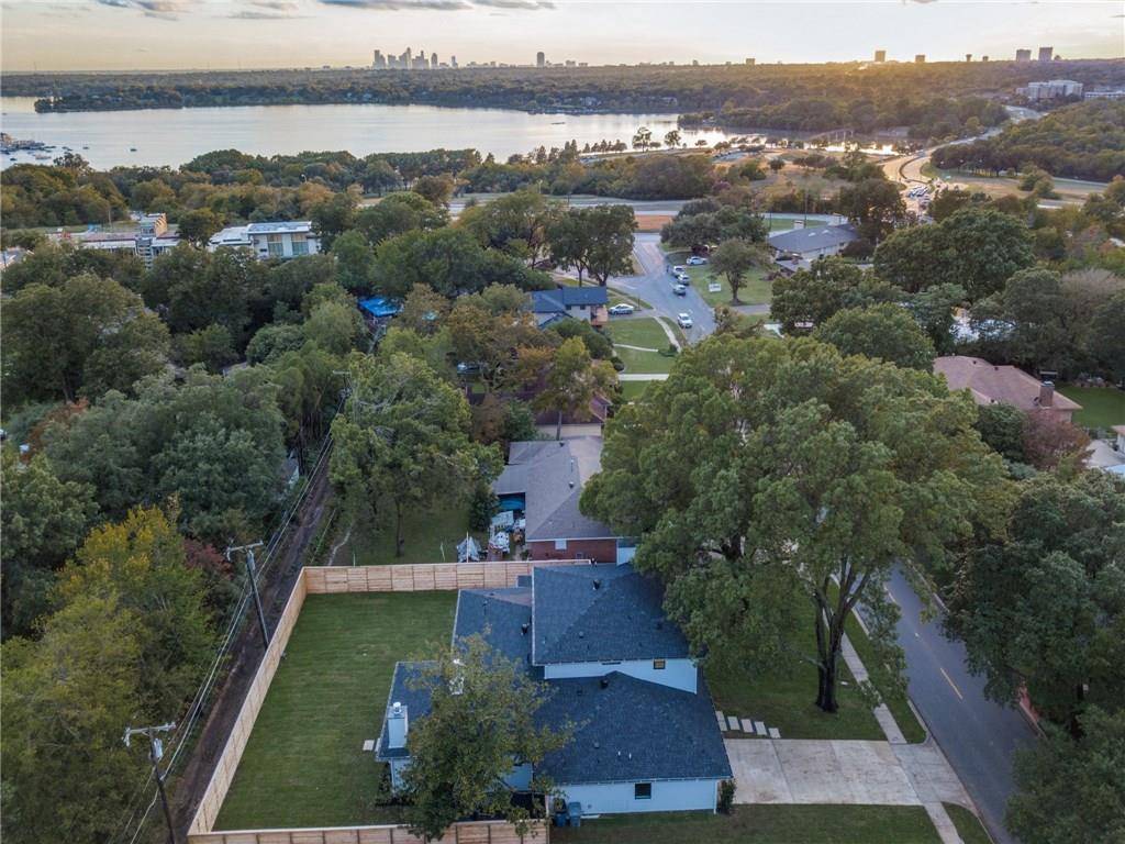 Sold Property | 9744 Van Dyke Road Dallas, Texas 75218 3