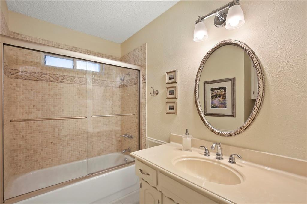Housed Real Estate | Rach Potter | 3300 Raintree Drive Plano, TX 75074 22