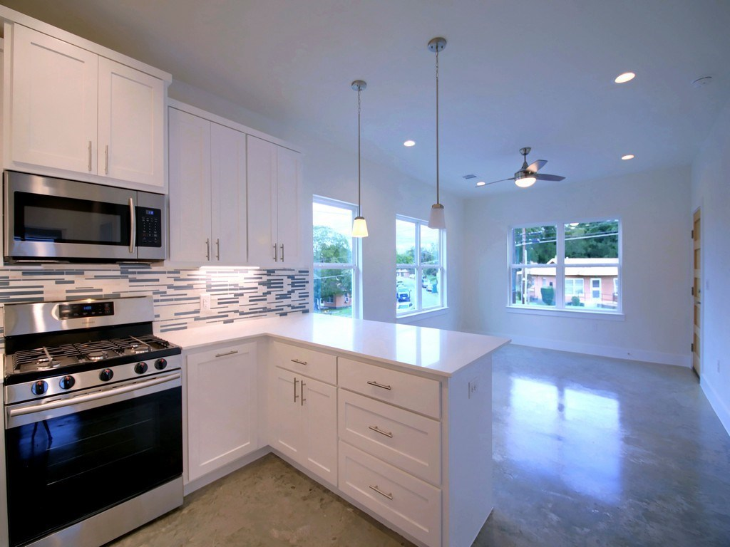 Sold Property | 1134 Chicon Street #A Austin, TX 78702 15