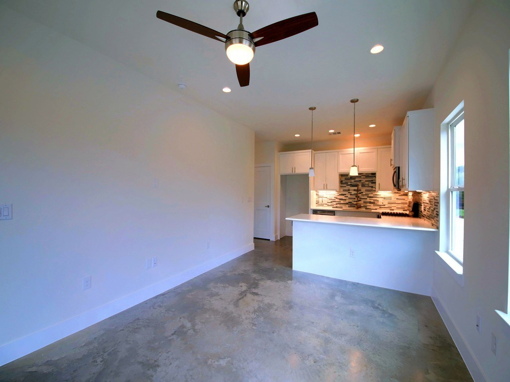 Sold Property | 1134 Chicon Street #A Austin, TX 78702 8