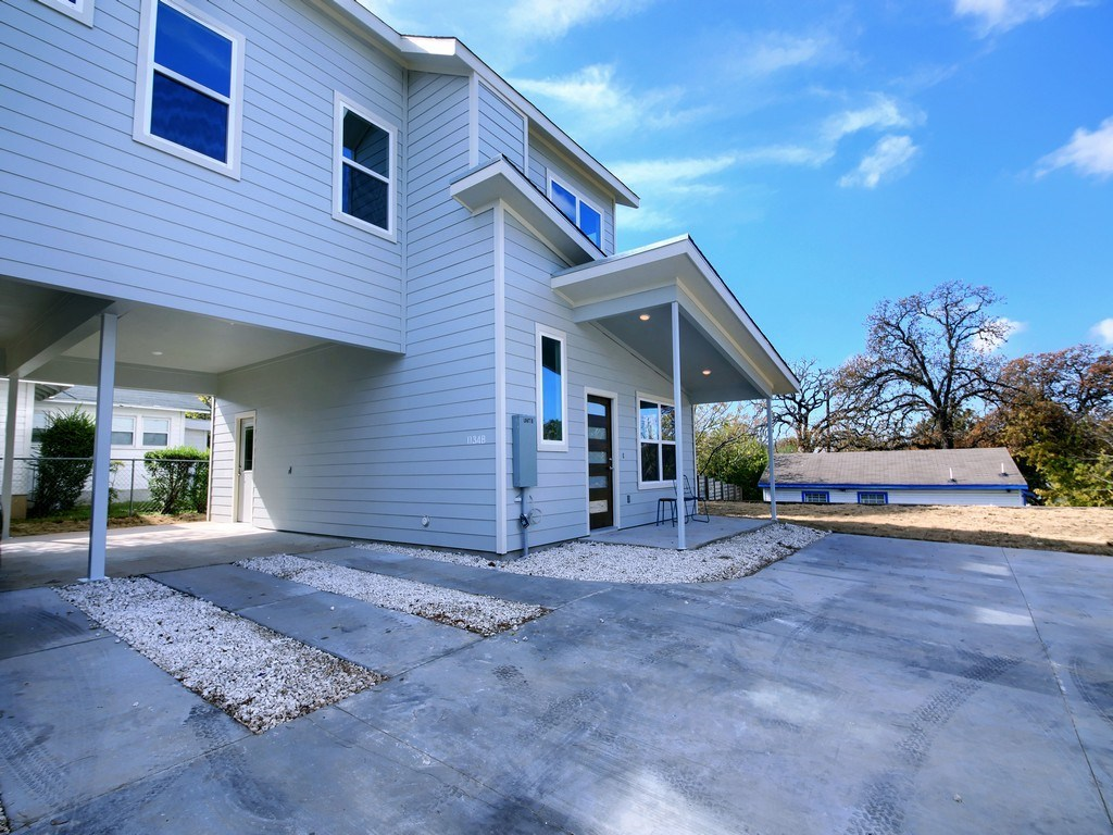 Sold Property | 1134 Chicon Street #B Austin, TX 78702 3