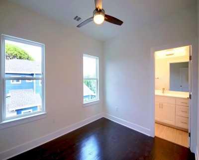 Sold Property | 1134 Chicon Street #B Austin, TX 78702 16