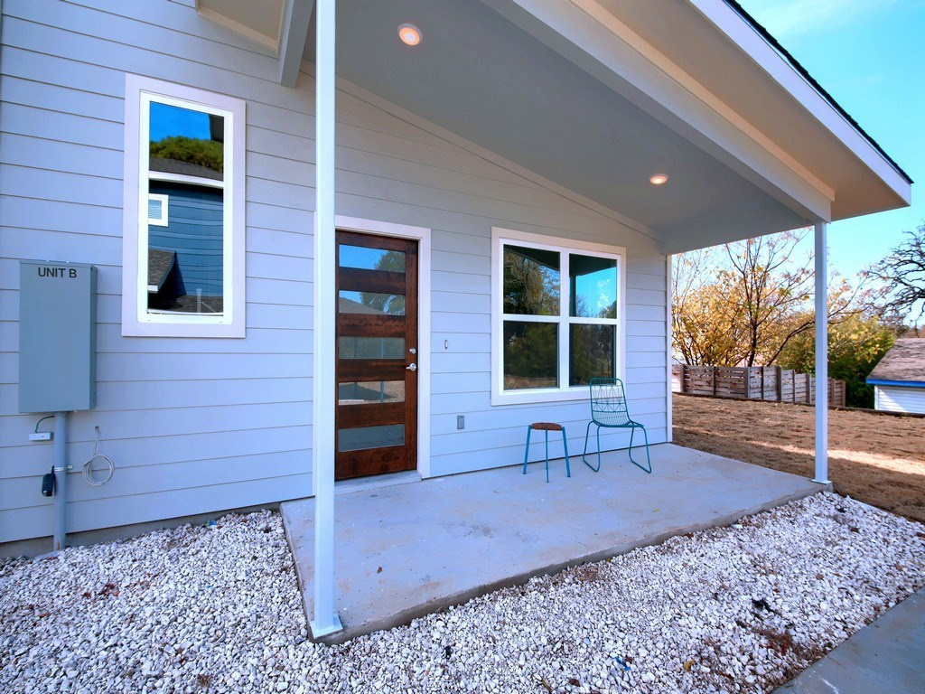Sold Property | 1134 Chicon Street #B Austin, TX 78702 5
