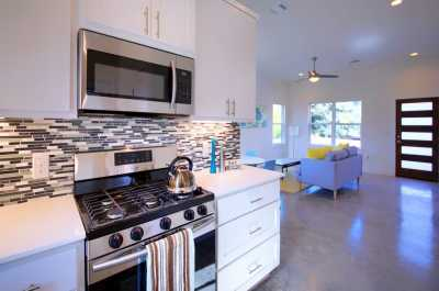 Sold Property | 1134 Chicon Street #B Austin, TX 78702 7