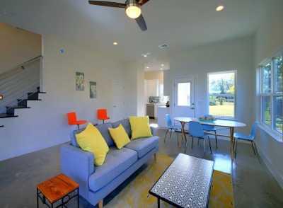 Sold Property | 1134 Chicon Street #B Austin, TX 78702 10