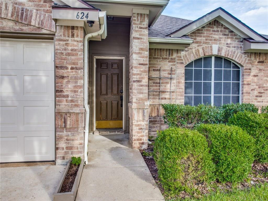 Sold Property | 624 Oak Hollow Trail Saginaw, Texas 76179 2