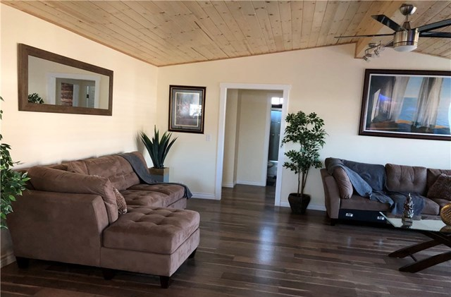 Pending   19009 S Laurel Park Road #317 Rancho Dominguez, CA 90220 17