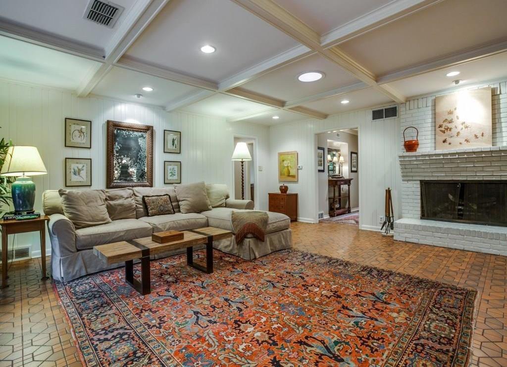 Sold Property | 7045 Hillgreen Drive Dallas, Texas 75214 15