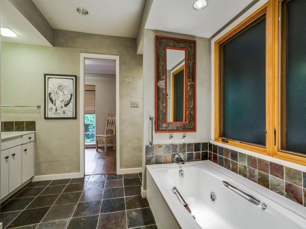 Sold Property | 7045 Hillgreen Drive Dallas, Texas 75214 27