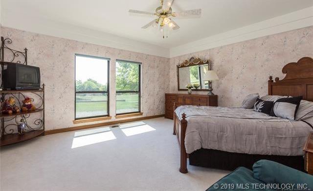 Luxury homes in Catoosa, Oklahoma   820 Lynn Lane Road Catoosa, Oklahoma 74015 15