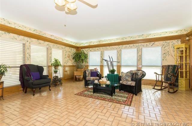 Luxury homes in Catoosa, Oklahoma   820 Lynn Lane Road Catoosa, Oklahoma 74015 19