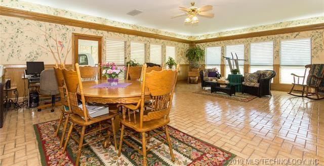 Luxury homes in Catoosa, Oklahoma   820 Lynn Lane Road Catoosa, Oklahoma 74015 20